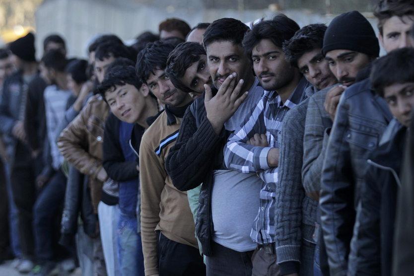 10. 12. || 164 państwa Organizacji Narodów Zjednoczonych przyjęły w Marrakeszu pakt dotyczący migracji. Kilka państw już wcześniej odmówiło podpisania paktu. Wśród nich, oprócz Polski, znalazły się m.in.: Austria, Czechy, Węgry, Szwajcaria, Izrael czy USA