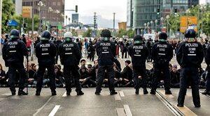 Niemcy dwóch społeczeństw